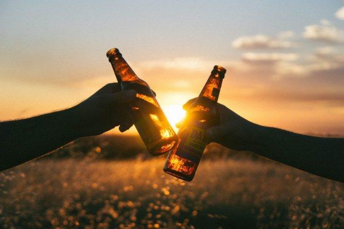 2 пляшки пива