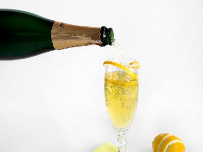 35 простих коктейлів, Які можна пріготуваті вдома - фото