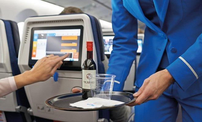 Алкоголь під час польоту