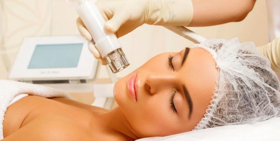 Приємні процедури у салоні краси апаратної косметології