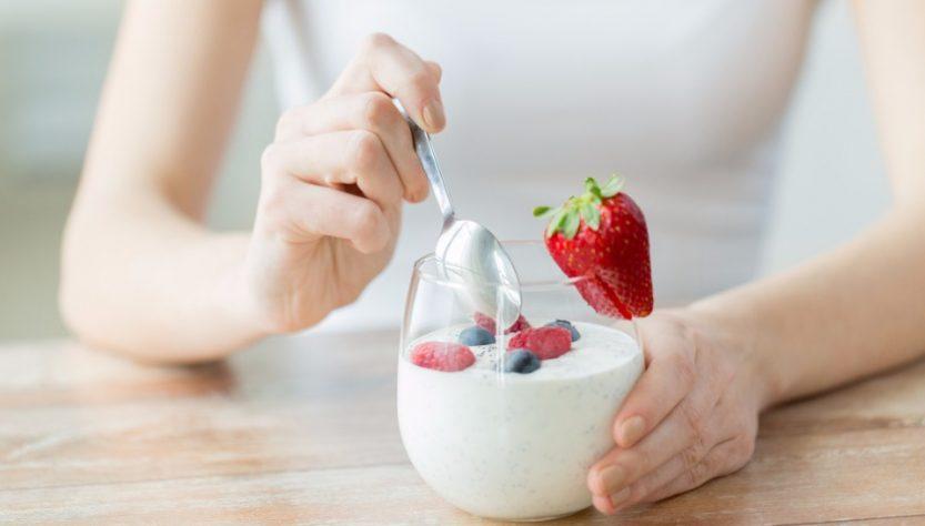 Домашній йогурт виготовлений за допомогою бактеріальної закваски