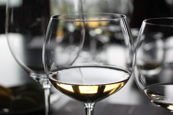 біле вино користь і шкода для шлунка
