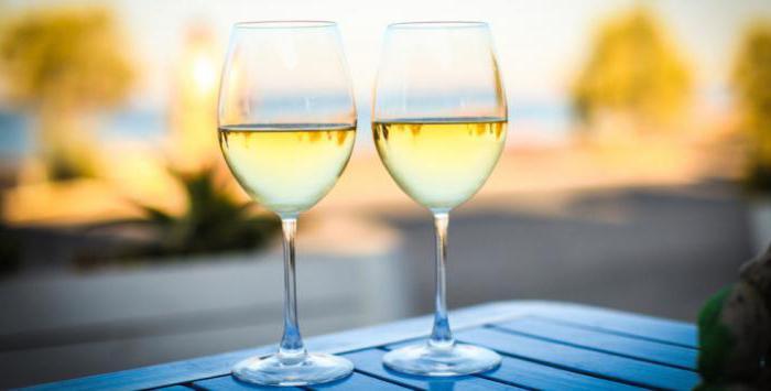біле вино користь і шкода для жінок