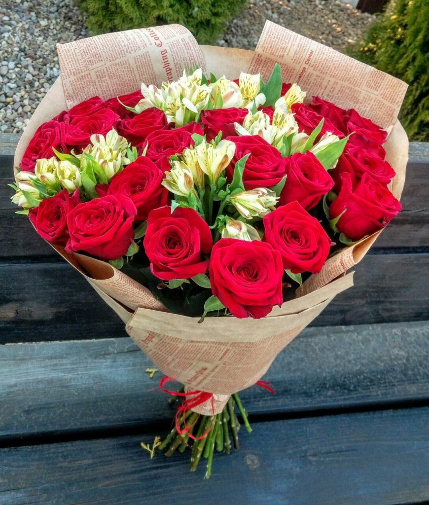 Красивый букет роз: служба доставки цветов в Кишиневе