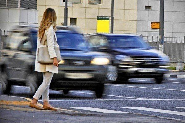 Якщо машина збила людину на пішохідному переході, винуватцем вважається сидів за кермом