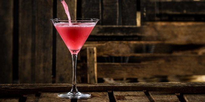 Цей коктейль вінайшлі, щоб популярізуваті цитрусових горілку, но сам ВІН прославівся набагато более