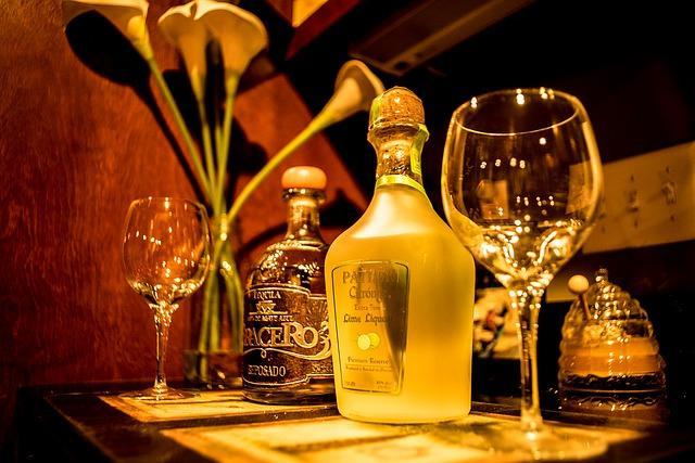 Фото пляшки текілі
