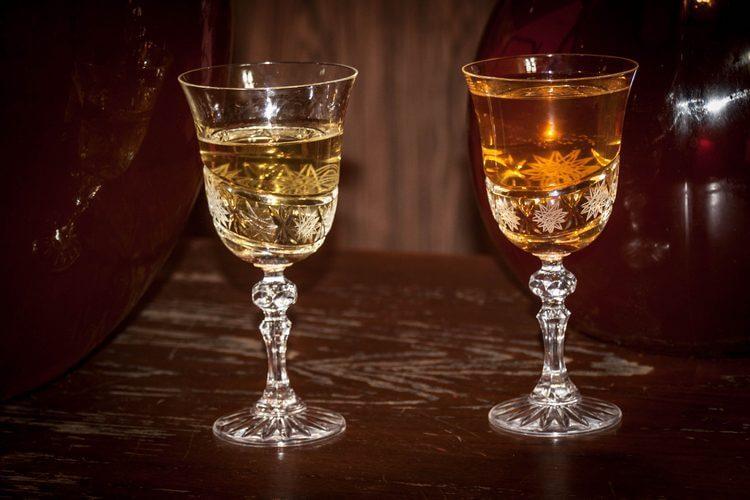 Готове домашнє вино на Родзинка різних сортів