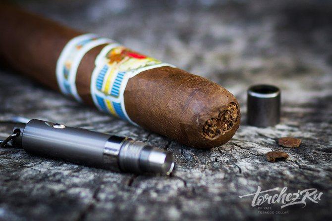 Як обрізати сигари? Пробойник для сигар