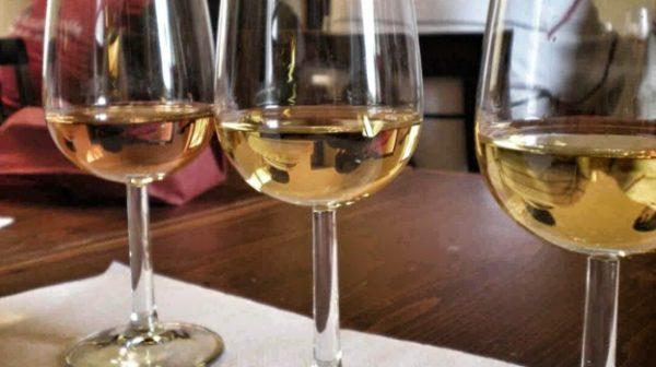 Як пріготуваті вино з родзінок