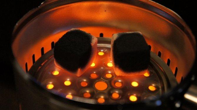 Як розпалити кальяну за допомогою електричної плити.