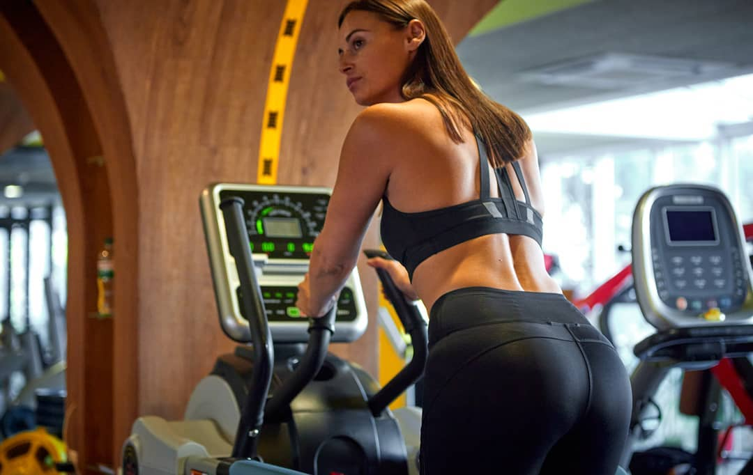 Кардио-тренировка в фитнес-центре (тренировка для здоровья сердечно-сосудистой системы)