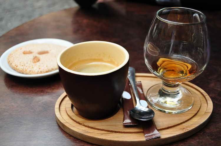 кава з алкоголем