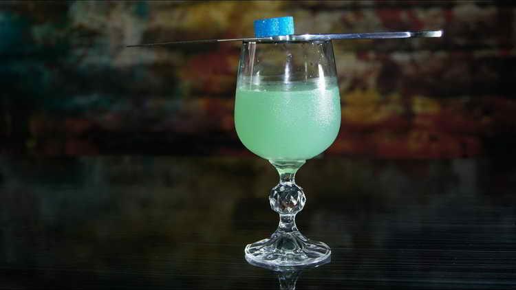 Коктейлі алкогольні з джином