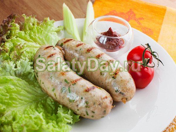 Курячі ковбаски з сиром и беконом