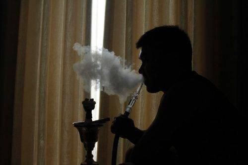 Людина, що палить