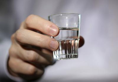 Чи можна пити алкоголь при температурі