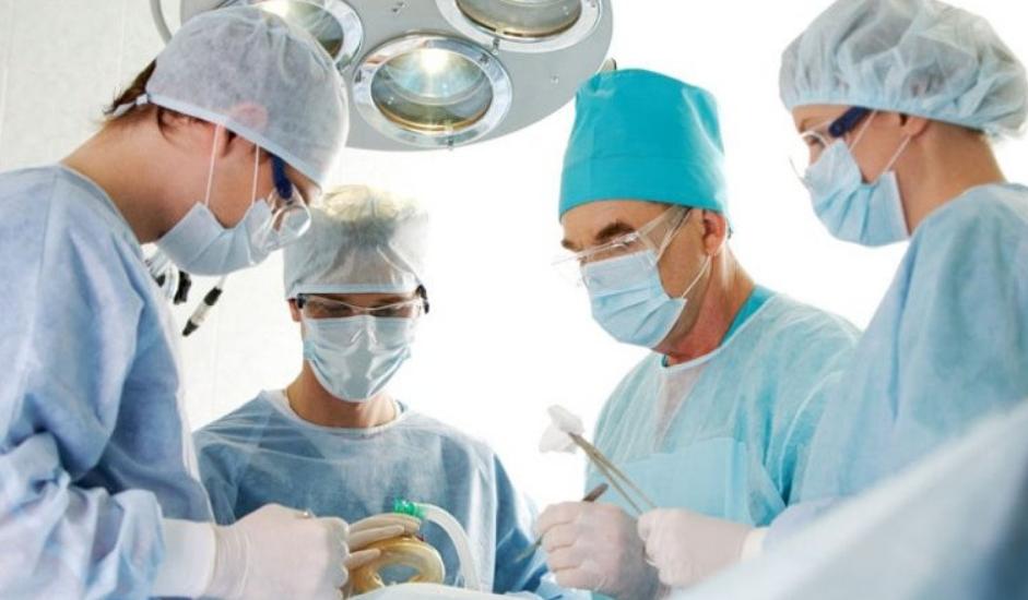 Процесс проведения операции (врачи и ассистенты)