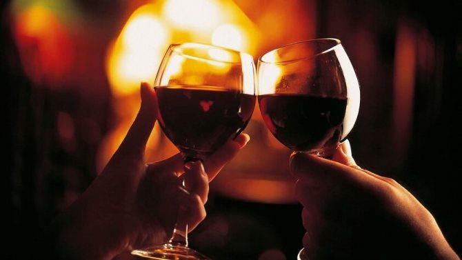 Неважливо, переливає ви вино в декантер чи ні, головне - це ваше насолоду