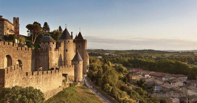 Occitanie, Carcassonne (Каркасон), Франція-пам'ятки, путівник по місту