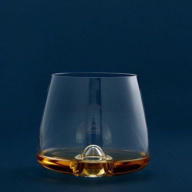 Оригінальний стакан з віскі