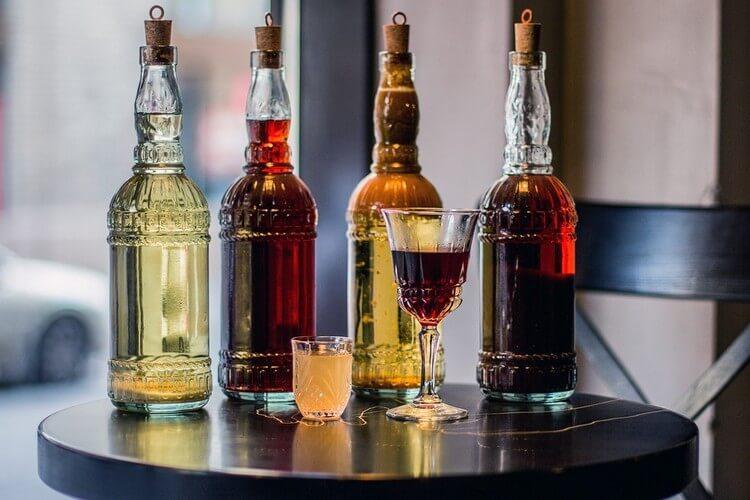 За різнімі рецептами ром в Домашніх условиях має різний смак, колір и аромат