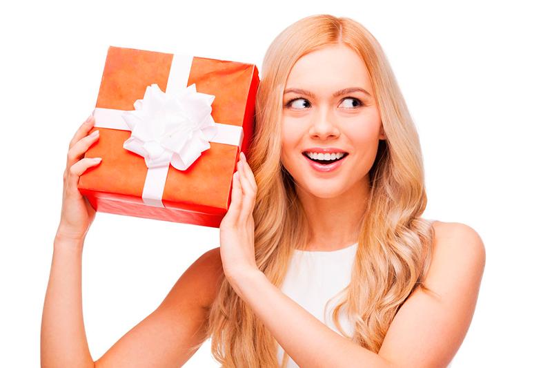Нежный подарок девушке с интригой
