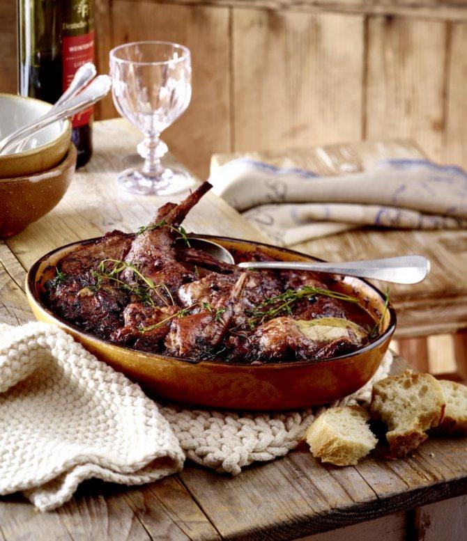 рецепт кролика в червоному вині в мультиварці