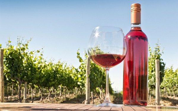 Рожеве вино з чим п'ють