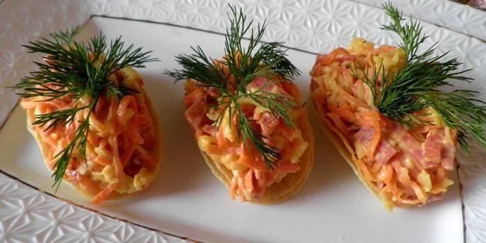Салат з шаткують на чіпсах