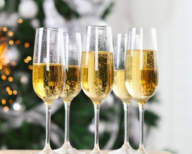 Шампанське з чим п'ють і закушують