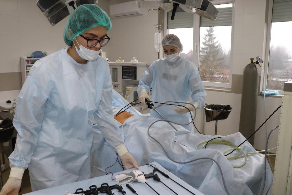 Лапароскопічна операція з видалення спайок