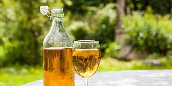 Столове вино з груш