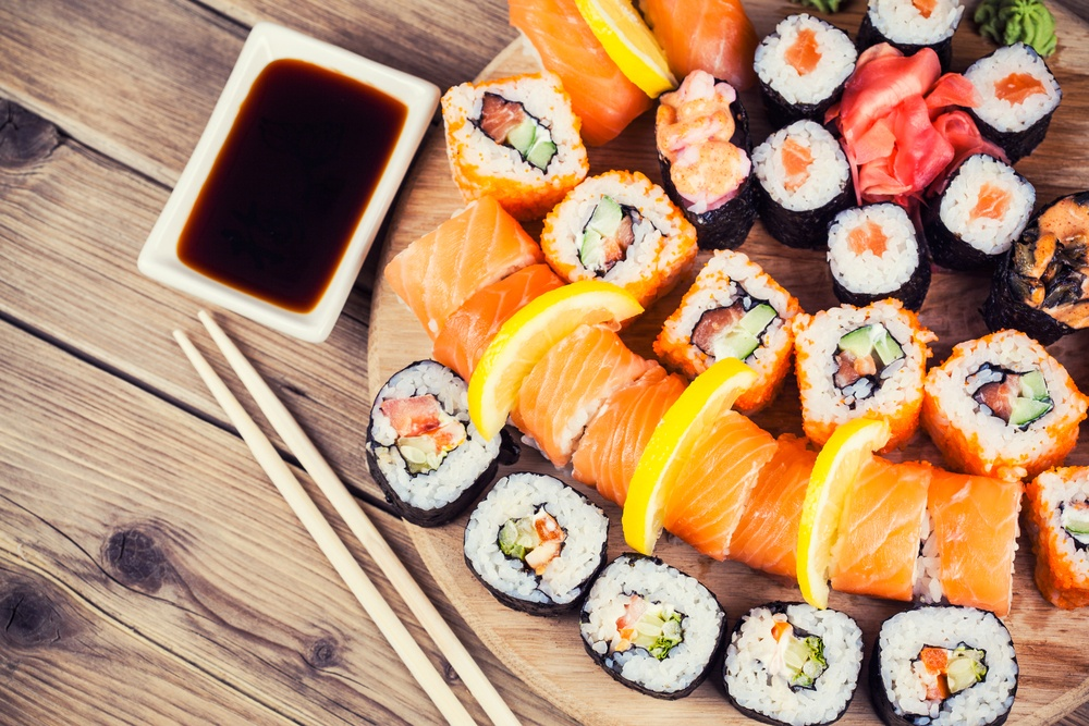 Подача суши в заведении «Сушия»