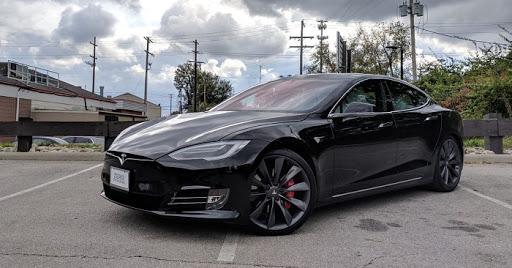 Авто тесла: купленная на аукционе в США