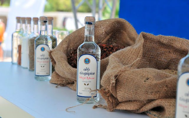 Виноградна грецька горілка