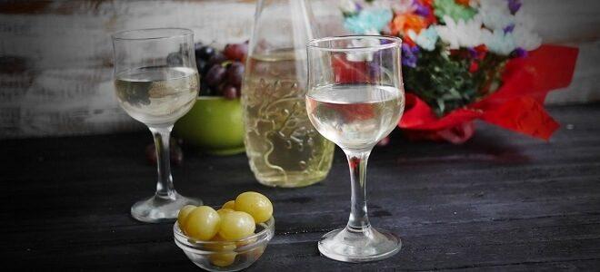 Смачна настоянка на винограді