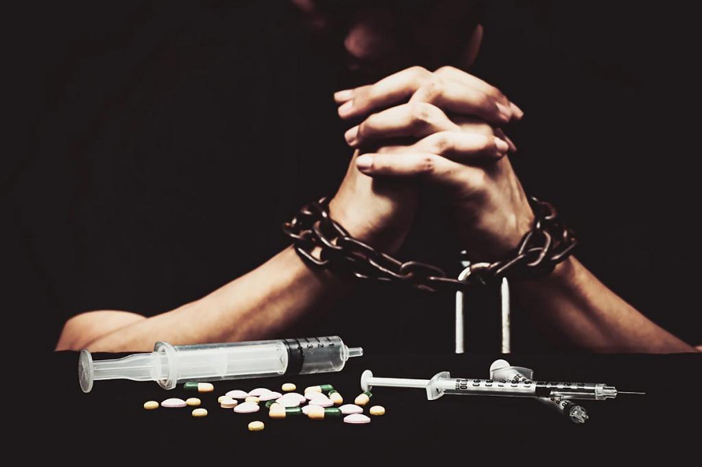 Помощь в лечении наркомании. Наркотическая зависимость молодого мужчины